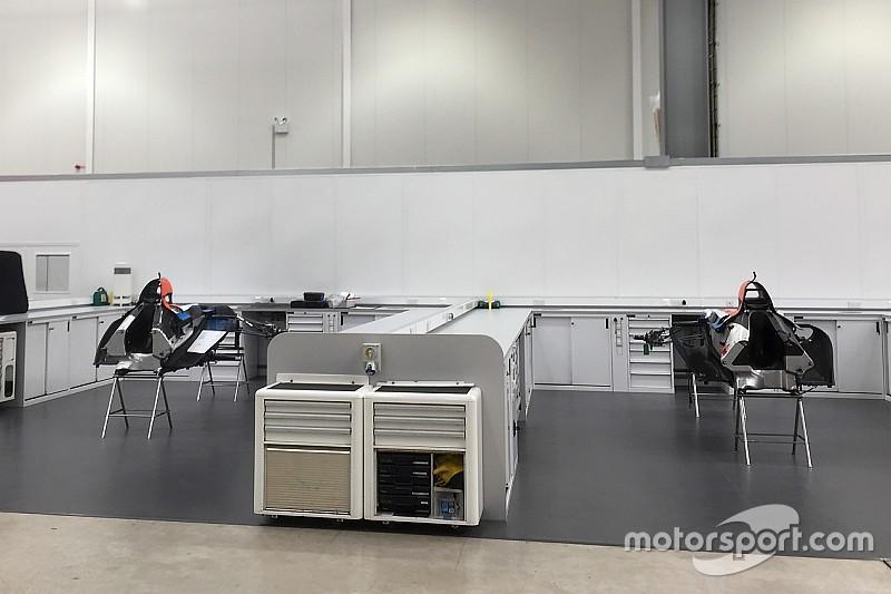 Manor sudah siapkan dua monokok untuk mobil F1 2017