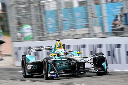 Time de Nelsinho Piquet na F-E efetiva chefe de equipe