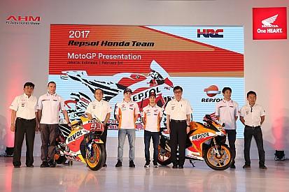Honda apresenta moto para temporada 2017