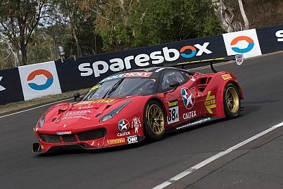 12 uur Bathurst: Vilander pakt pole met Ferrari, Vanthoor zevende
