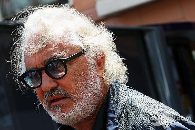 Briatore carga contra Ferrari y avisa sobre Hamilton