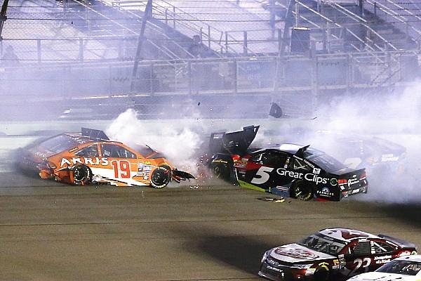 NASCAR Cup Últimas notícias NASCAR restringe retorno de carros danificados após acidente