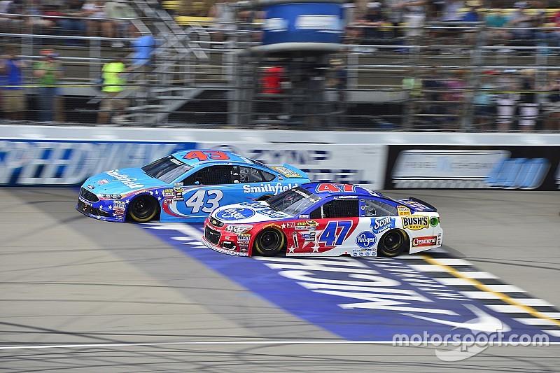 Los pilotos de NASCAR que buscan una nueva oportunidad