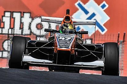 Soori met Motopark in EK Formule 3