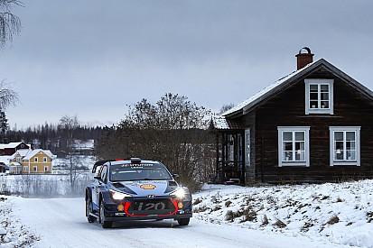 İsveç WRC: Cuma gününün lideri Neuville