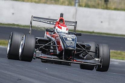 TRS Manfeild: Piquet wint onderbroken race, Verschoor pakt P4