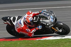 MotoGP Últimas notícias Ritmo de Stoner em teste deixa Pirro estupefato