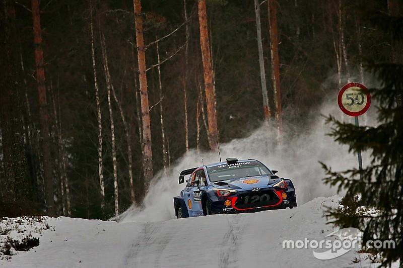 WRC in Schweden: Hyundai-Fahrer Thierry Neuville baut Führung aus