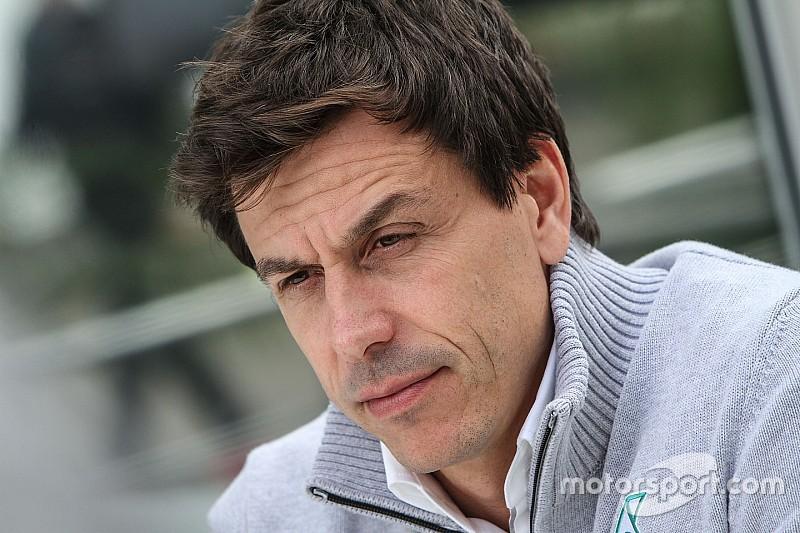 """Wolff: """"Mercedes no debe distraerse con la política de la F1"""""""