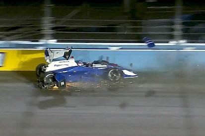 Hunter-Reay lidera accidentada práctica en Phoenix