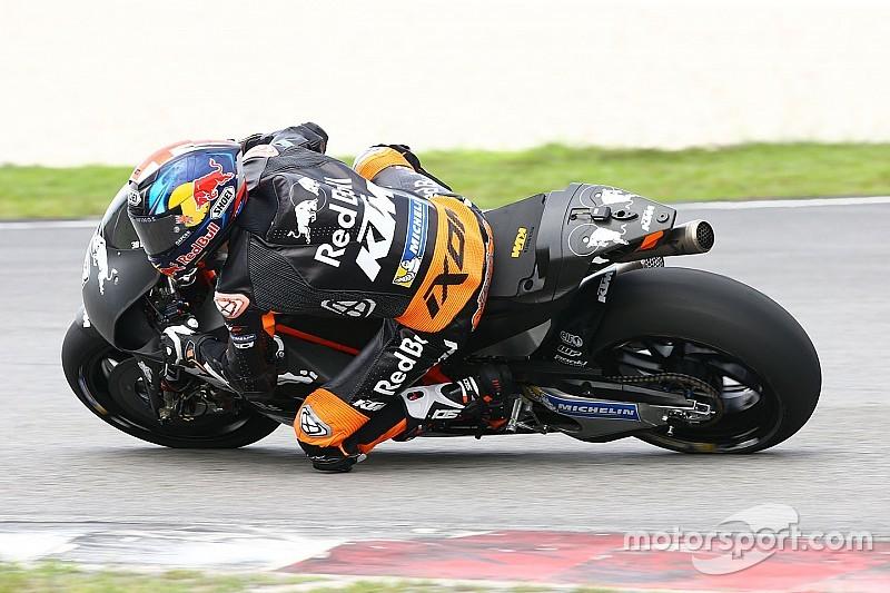 Bradley Smith se siente mejor sobre la moto que al caminar