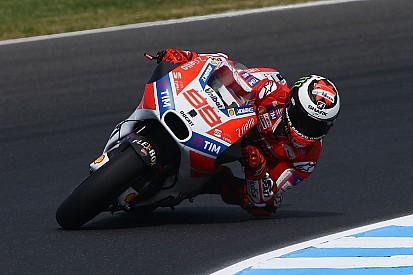 """Lorenzo: """"La Ducati GP17 evoluta sembra un po' meglio della precedente"""""""
