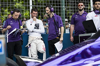 Lopez csalódott, ismét zűrös hétvégéje volt a Formula E-ben