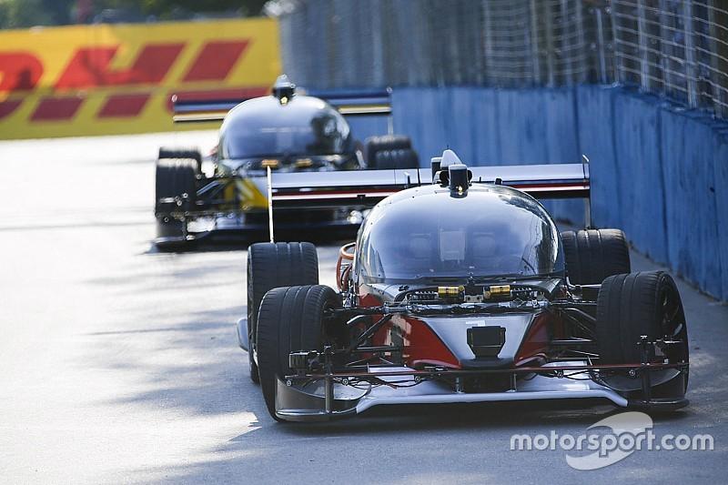 Roborace schrijft geschiedenis: eerste race tussen twee zelfrijdende prototypen