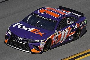 NASCAR Cup Reporte de la carrera Denny Hamlin vence a Earnhardt en el segundo Duelo