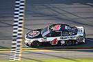 Harvick gana la etapa 2 de las 500 de Daytona