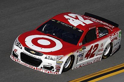 Larson, Truex y Elliott sufrieron con el combustible en Daytona 500