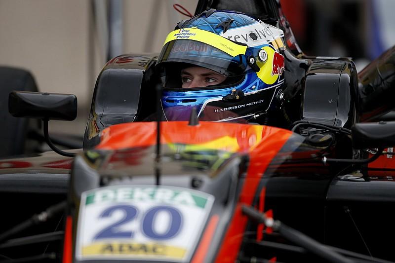Newey rempile en F3 après son titre MRF