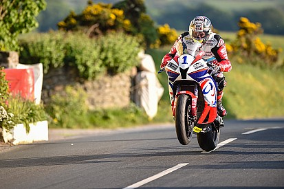 TT 2017: McGuinness in Supersport ancora con Jackson Racing