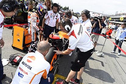 MotoGP pertimbangkan pelarangan celana pendek di grid