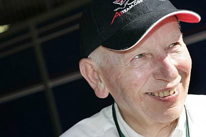 Esporte a motor lamenta morte de John Surtees