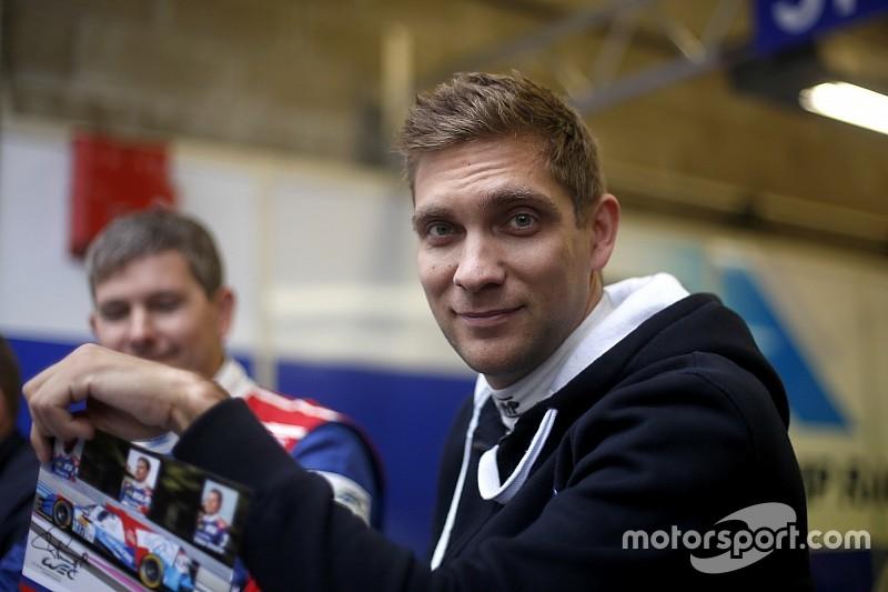 Petrov se aproxima da Manor no Mundial de Endurance