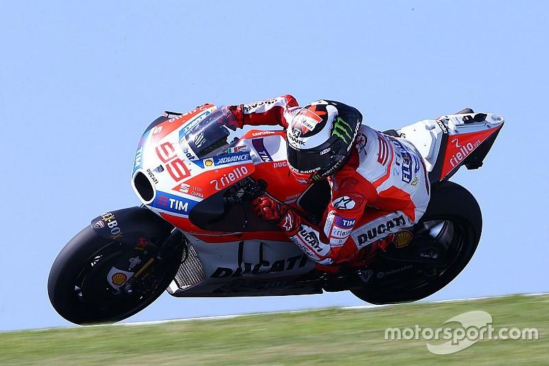 Lorenzo completa una productiva jornada de test en Jerez