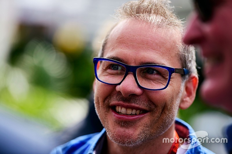 Villeneuve completa 46 anos; relembre carreira