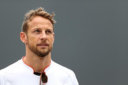 McLaren confirma Button como substituto de Alonso em Mônaco