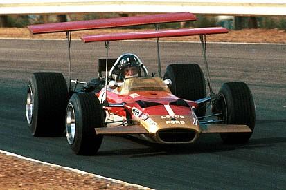 GALERI: Triple crown, gelar tersulit untuk pembalap mobil