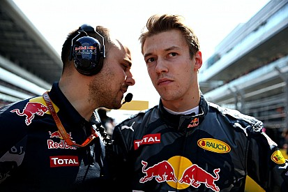 Vettel gyakorlatilag szét akarta verni Kvyatot