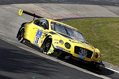 Bentley zet derde auto in tijdens 24 uur Nürburgring