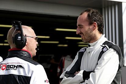 Robert Kubica test Formule E-auto op Donington