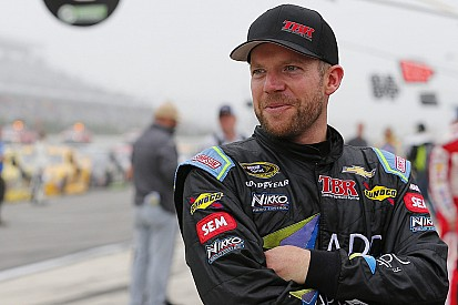 Regan Smith substitui Aric Almirola no fim de semana
