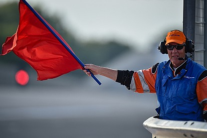 Carambola impressionante nella Moto3: bandiera rossa a Le Mans