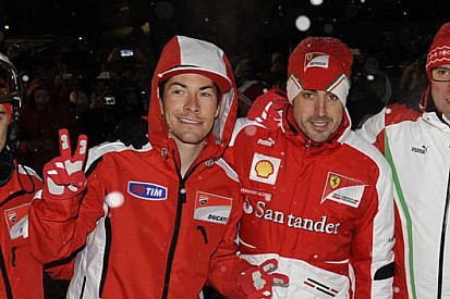 Alonso llevará a su amigo Hayden en el casco durante la Indy 500