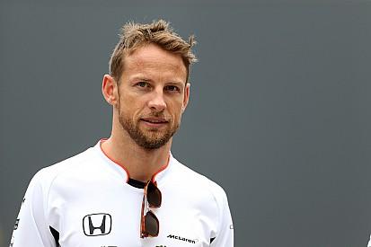 Button gyors és jól megy Monacóban, de alkalmazkodnia kell