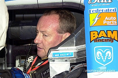 Ken Schrader first in list of NASCAR stars to race at Ohsweken Speedway