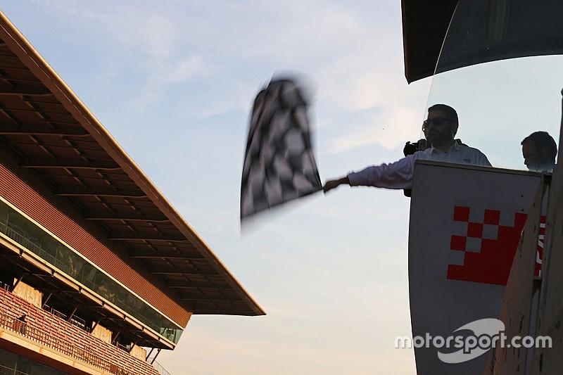 GP Österreich 2017: Fans können Zielflagge schwenken