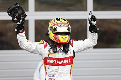 Ketika Rio Haryanto menang balapan GP2 dengan mobil rusak