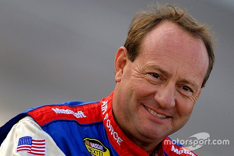 Jukasa Motor Speedway and APC Series welcome Ken Schrader