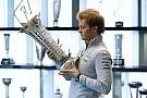 Rosberg raakte zijn kampioensbeker kwijt