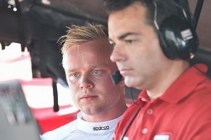 "Rosenqvist impressiona em teste ""impecável"" na Indy"