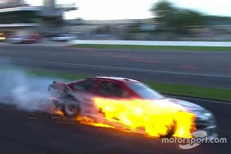VÍDEO: Fogo e fortes batidas marcam prova da NASCAR em Indy