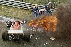 Forma-1 Különleges esemény Ezen a napon: A baleset, ami erősebbé tette Niki Laudát