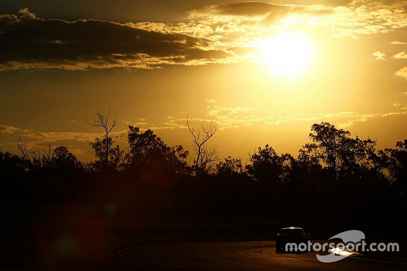 Two killed in Queensland Raceway crash