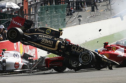Gallery: The spectacular crash at the start of 2012 Belgian GP