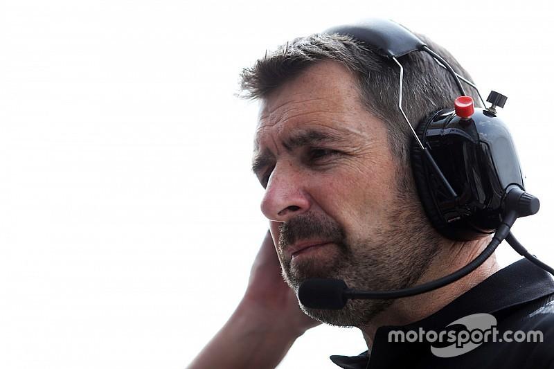 """20 év után """"nyugdíjba"""" vonul a Renault szerelői csapatának vezetője"""