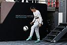 Vídeo: Rosberg acepta el reto de Cristiano Ronaldo