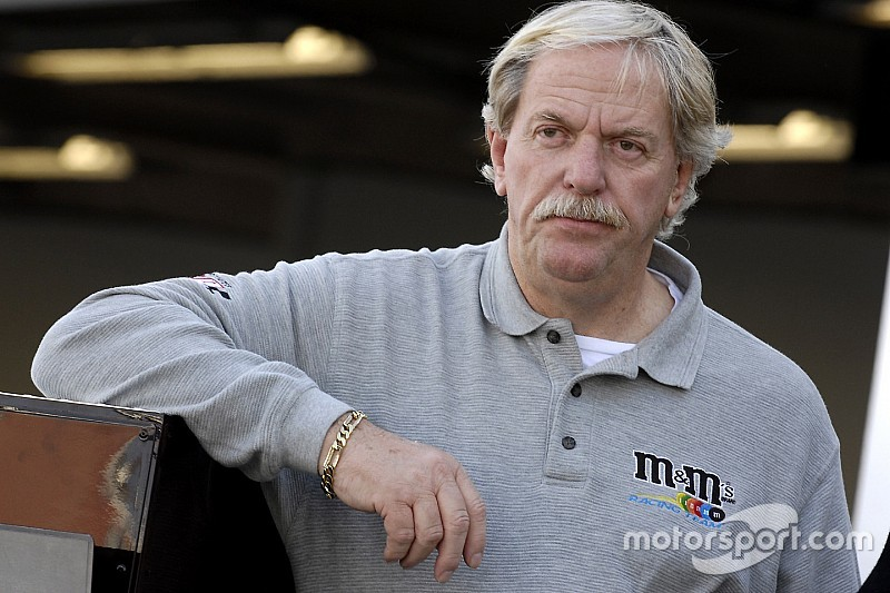 NASCAR Hall of Fame inductee Robert Yates dies at age 74